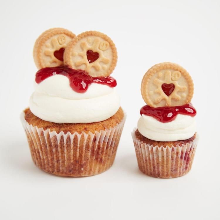jammy-dodger-cupcakes-big-small.jpg