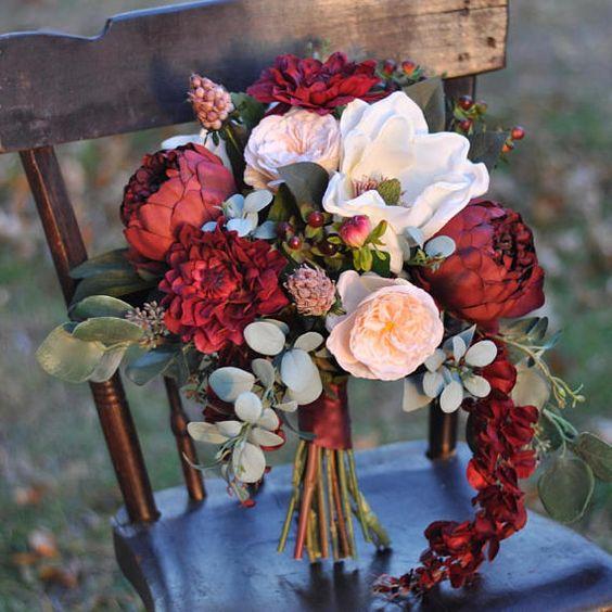 bold-red-wedding-flowers.jpg