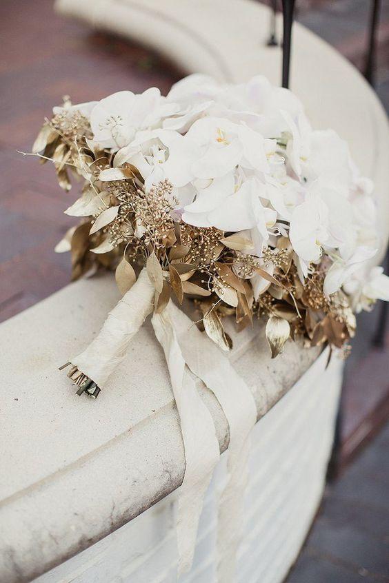 gold-wedding-bouquet.jpg