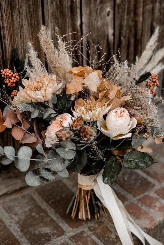 gold-wedding-bouquets-design-my-wedding