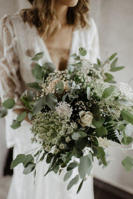 leafy-wedding-flowers