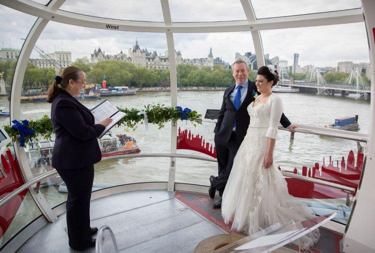 London-Eye-Wedding-ceremony-photo