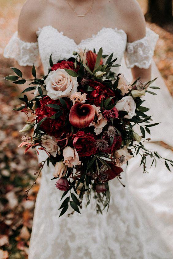 red-wedding-flowers-design-my-wedding.jpg